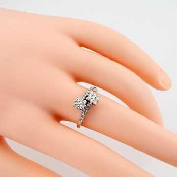 Anello contrariè in oro bianco e diamanti 0,62 ct