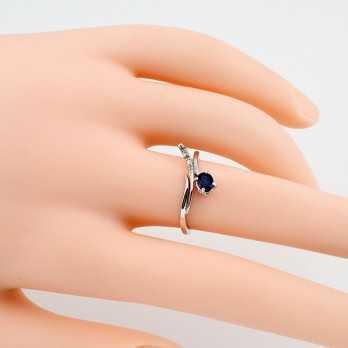 Anello con zaffiro 0,45 ct. e diamanti
