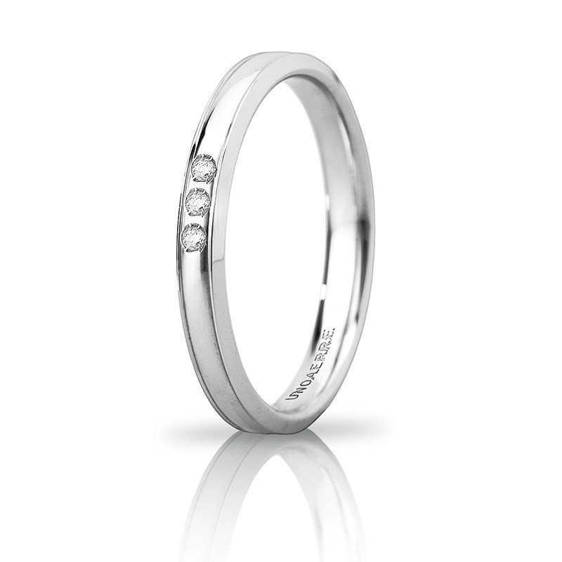 Fede Unoaerre Orion slim con 3 diamanti Unoaerre Italian jewellery Fedi Brillanti Promesse 30AFC279/003B