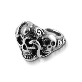 Anello gotico in argento con teschio