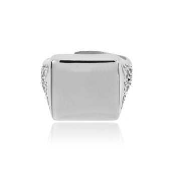 Anello in argento con intarsio